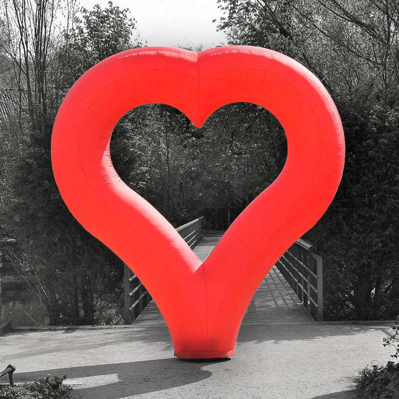 HEARTInflatable Red Heart